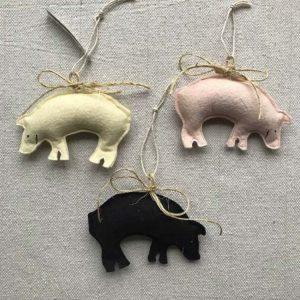 Three Little Pigs Ornament Set